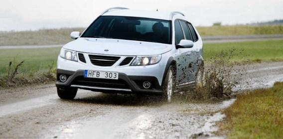 De Saab 9-3X BioPower rijdt ook op gewone superbenzine.saab
