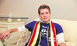 Gregory is niet aan zijn eerste verkiezing toe. Vorig jaar klasseerde hij zich binnen de top vijf van de wedstrijd Topmannequin. Luc Vanthuyne