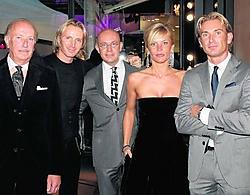 De familie in de zaak: (v.l.n.r.) Roland Helsen en zijn vier kinderen Stijn, Bert, Liesbeth en Frank. Mine Delemans
