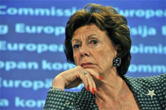 Neelie Kroes blijft Eurocommissaris