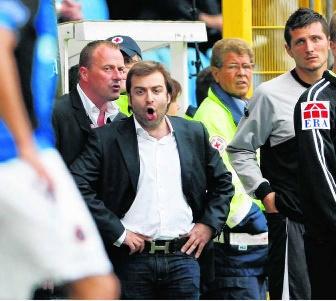 Mogi Bayat, de manager van Charleroi. pn