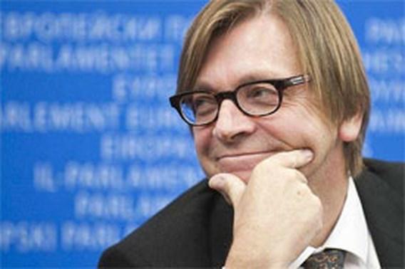 Verhofstadt heeft vragen bij onderhandelingen met partij die einde van België wil