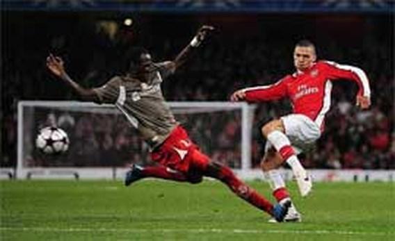 Wenger boos op Mangala, Gibbs 3 maanden out
