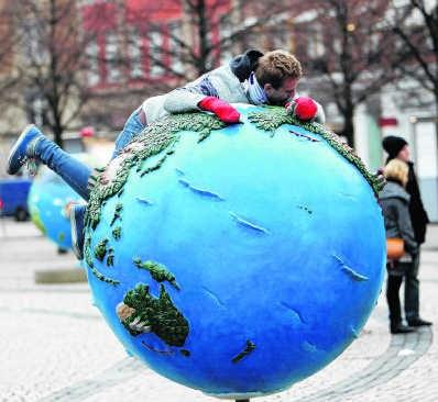 De top in Kopenhagen wakkert zowel klimaatprotest (foto) als klimaatscepticisme aan. rtr