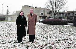 Schepen Van Lancker en burgemeester Van Peteghem op de plaats waar de nieuwe creche komt.Gianni Barbieux