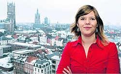 Natalie Troch van de dienst Lokale Preventie en Veiligheid van Stad Gent: 'Vrijwilligers geven buren sneller de indruk dat ze misschien ook zelf hun problemen kunnen oplossen.'gia