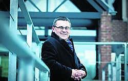 Luc De Boeck wacht een zware taak: na veertigjaar vervangt hij Jo Van Eetvelt als burgemeester. Stijn Hermans