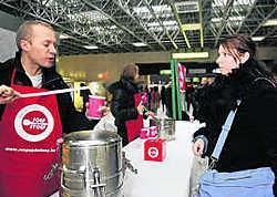 De opbrengst van 'Soep op de Stoep' gaat naar projecten van Welzijnszorg.hrb