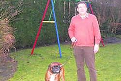 Schepen Peter Desmet: 'Er is een politiereglement dat het achterlaten van hondenpoep op straat bestraft.'djw