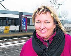 Als de tramlijn er komt, kan Brigitte Gebruers uit Melsele haar wagen helemaal thuis laten om naar haar werk te rijden.dhs