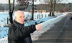 Eigenaar Armand Van Kerckhoven wijst de gemeente met de vinger. 'De andere eigenaar heeft me ook al laten weten dat hij zijn gronden niet wil afstaan.'Alain Trappeniers