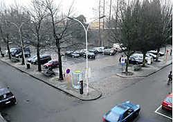 Op het beursplein komt een nieuwe administratief gebouw met winkels en woongelegenheden. Michel Vanneuville