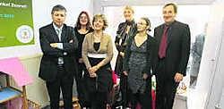 Minister Vandeuren met de burgemeester van Zoersel en de mensen van de opvoedingswinkel.Louis Verbraeken