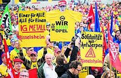 Vorig jaar in september vond al een grote solidariteitsmeeting, met vooral Duitse Opelwerknemers, plaats bij Opel Antwerpen. Morgen komen tal van Europese vakbondsdelegaties hun steun betuigen. Wim Kempenaers