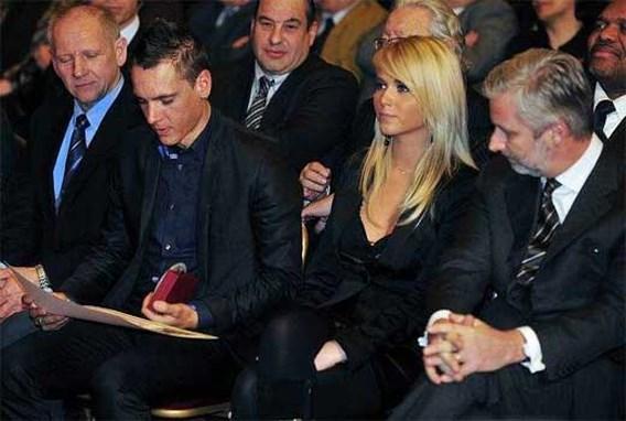 FOTO: Patricia steelt de show naast Philippe Gilbert en prins Filip