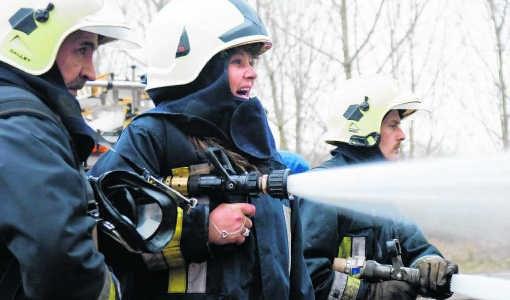 Snoes' collega's bij de brandweer lieten haar nog een laatste grote brand blussen.