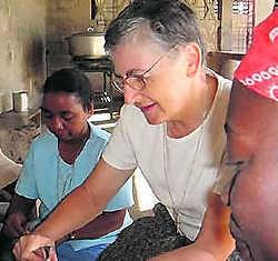 Zuster Chantal aan het werk in Haïti.if
