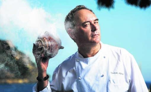 Ferran Adria is het beu om iedere dag 15 uur te moeten werken. photo news