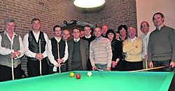 Dirk Delarue en Marc Dellaert, links op de foto, kwamen de leden van BC Royalvrienden een demonstratie geven. fo