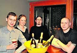 Het bestuur van de Bierorde van Vauban, met Frederique Singier, Shari Sterck, Davy Bauwen en Thijs Lanoye. David Lemaitre ontbreekt op de foto. Piet Lesage