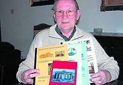 'Ik heb veel inspiratie voor nog meer boeken', zegt auteur Louis Windey uit Moerzeke. jvdv