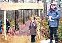 Burgemeester Verwimp opent het stiltegebied op grondgebied Tessenderlo.Paul Van Moll