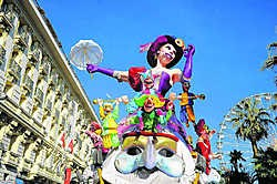 Het kleurrijke carnaval van Nice verdrijft de winterse somberheid. rr
