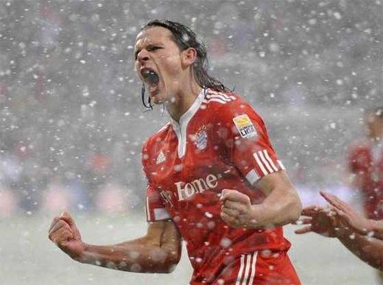 Van Buyten stuwt Bayern naar de kop