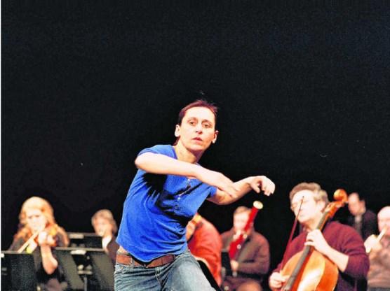 Zelfs als Anne Teresa De Keersmaeker voluit wil gaan, kan haar dans Mahler nooit van zijn troon stoten. Anne Van Aerschot