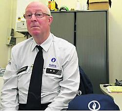 François De Gusseme: 'Een wijkinspecteur moet een aanspreekpunt zijn waar iedereen met zijn zorgen en klachten zonder angst terechtkan.' Hendrik De Rycke