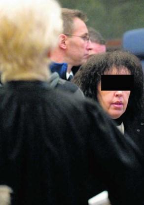 Malika El Aroud, zonder sluier, op haar proces in Brussel. Benoit Doppagne/blg