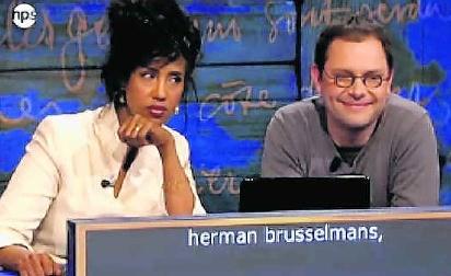 Schrijfster Yasmine Allas, maandagavond op Nederland 2, samen met Tom Naegels. rr