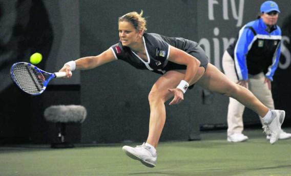 Drie, vier, vijf keer leek Kim Clijsters de match op zak te hebben, maar telkens liet ze Kleybanova terugkomen. 'Ik heb het zelf uit handen gegeven', besefte ze na afloop.John Mabanglo/epa