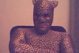 Gezien op Chatroulette: een man die zich als kat voordoet