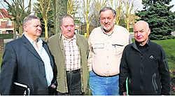 Antoine Stouten, Jean Schiepers, Eddy Wijnen en Marcel Kerkhofs van het comité Lijn 20. ppn