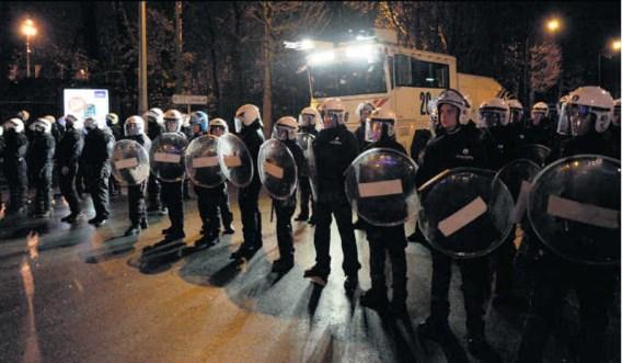 Als Anderlecht speelt, komen er extra agenten. Maar de politie vreest voor provocaties zodra die manschappen weg zijn.Bolcina Crochet/photo news