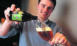 Jurgen Troch ontwikkelde de Draeckenier, 'het eerste echt Aalsters Bier'. hdr