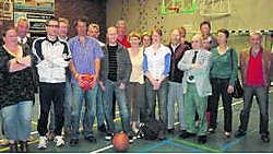 De sportfunctionarissen lichtten hun onderzoek naar de kwaliteit van de sportclubs toe aan vertegenwoordigers van de clubs. vbj
