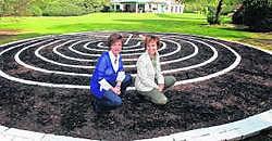 Anneliese Monden en Chantal Smedts van Qlickcoaching: 'Onze sessies werken ontstressend.' Koen Fasseur