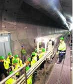 Schanulleke en Wiske, de twee gigantische tunnelboormachines, leggen elke dag 15 meter onder de grond af.