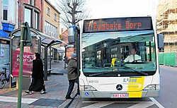 De Vlaamse vervoersmaatschappij De Lijn verandert maandag haar dienstregeling voor de Roeselaarse stadslijnen. Stefaan Beel