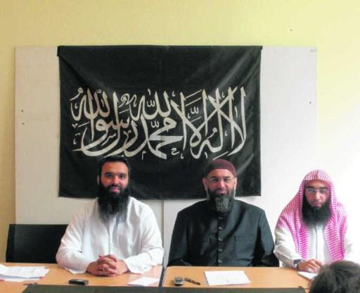 Sayful Islam, Anjem Choudary en Abu Imran: 'Weldra zullen ook jullie vrouwen zich moeten bedekken.' Jozef Leysen