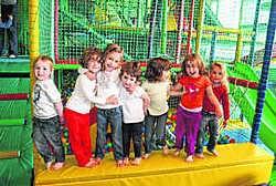 Kinderen zijn al twaalf jaar lang welkom in Jabbedoe, in het vroegere zwembad 't Parelhoentje. Herman Laneau