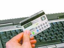 De nieuwe Visakaart is tegelijk een digipass voor veilige online betalingen.. visa