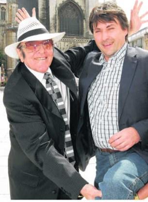 Eddy Wally kwam organisator Ivan Saerens bijstaan om het groene programma van het Sint-Baafsplein voor te stellen.Frederiek Vande Velde