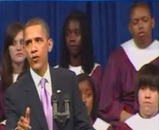 VIDEO: Student valt in slaap tijdens toespraak Obama