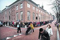 Een lange rij bezoekers voor de Hermitage Amsterdam die vorig jaar haar deuren opende.Joost van den Broek/hollandse hoogte