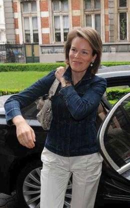 Mathilde tot 'grootkruisdame' geslagen