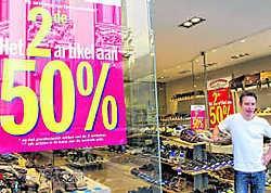 Franky De Vos, van schoenenwinkel Mano: 'We doen mee omdat anderen het ook doen.'gia