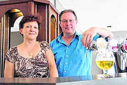 Herwig en Sonia, de nieuwe uitbaters van 't Lammeke. lvl